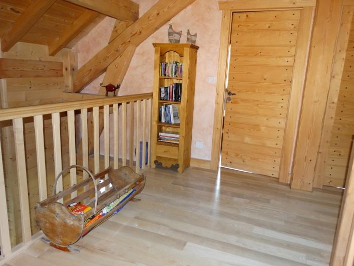 Location de vacances - Chalet à Chapelle-des-Bois - mezzanine