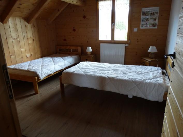 Location de vacances - Chalet à Chapelle-des-Bois - chambre 3 étage, lits 90