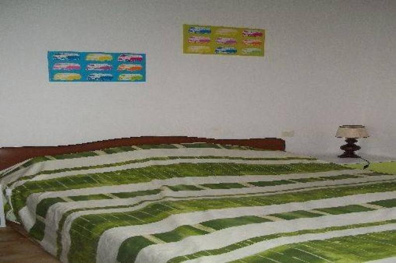 Location de vacances - Villa à Hyères - chambre à l'étage