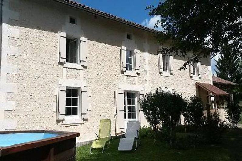 Location de vacances - Maison - Villa à Saint-Avit - Façade sud, avec vue sur la piscine