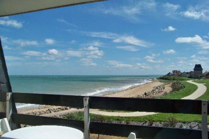 g te phare ouest plage du d barquement normandie vue sur mer berni res sur mer. Black Bedroom Furniture Sets. Home Design Ideas