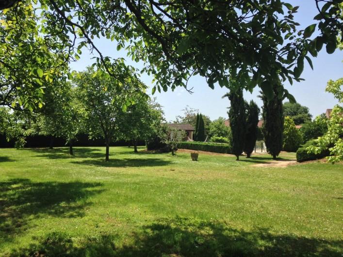 Location de vacances - Villa à Proissans - Le parc arboré