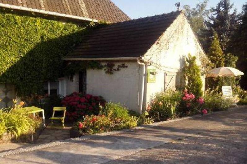 Location de vacances - Gîte à Crécy-la-Chapelle - entrée -terrasse n°1