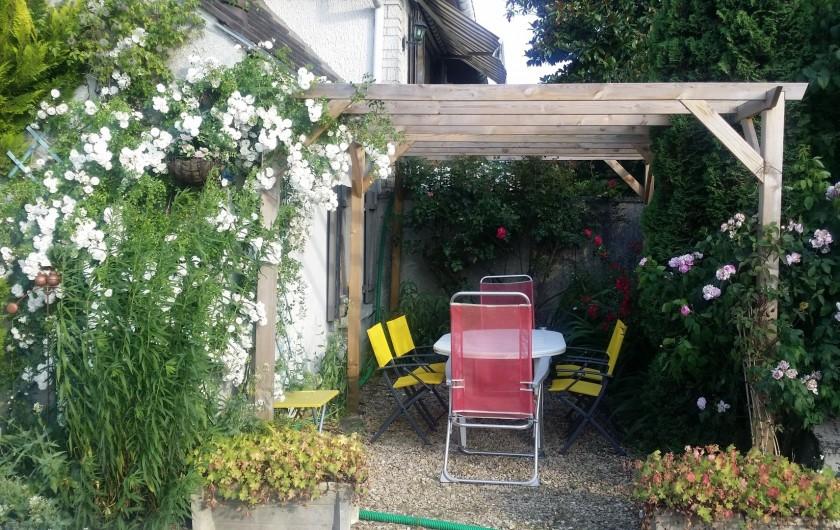 Location de vacances - Gîte à Crécy-la-Chapelle - salle de douche-WC-lave linge
