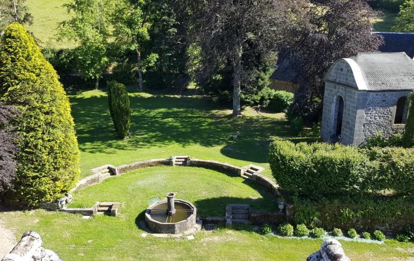 Location de vacances - Gîte à Aurillac - La Fontaine et la Chapelle du Parc