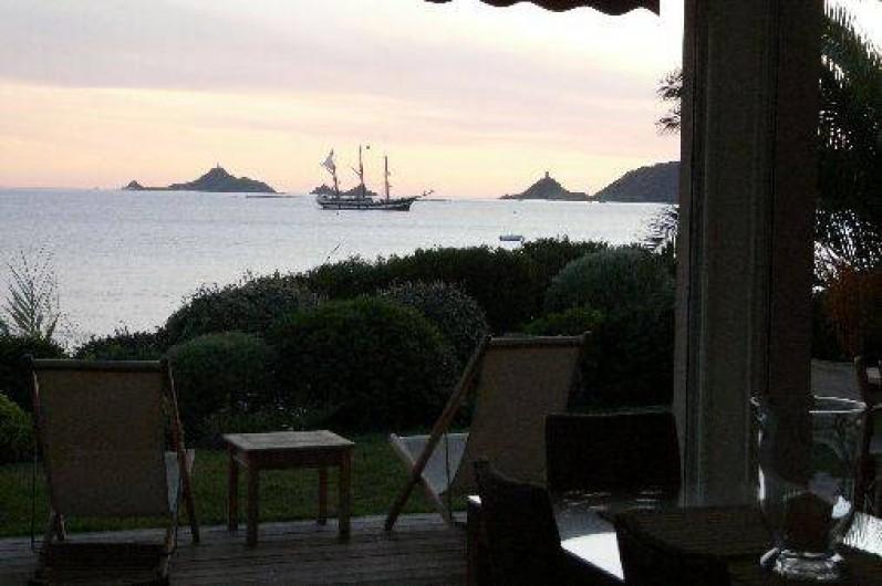Location de vacances - Villa à Ajaccio - ILES SANGUINAIRES vues  de la Terrasse