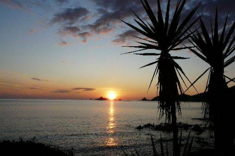 Location de vacances - Villa à Ajaccio - COUCHER DE SOLEIL      vu de la Terrasse