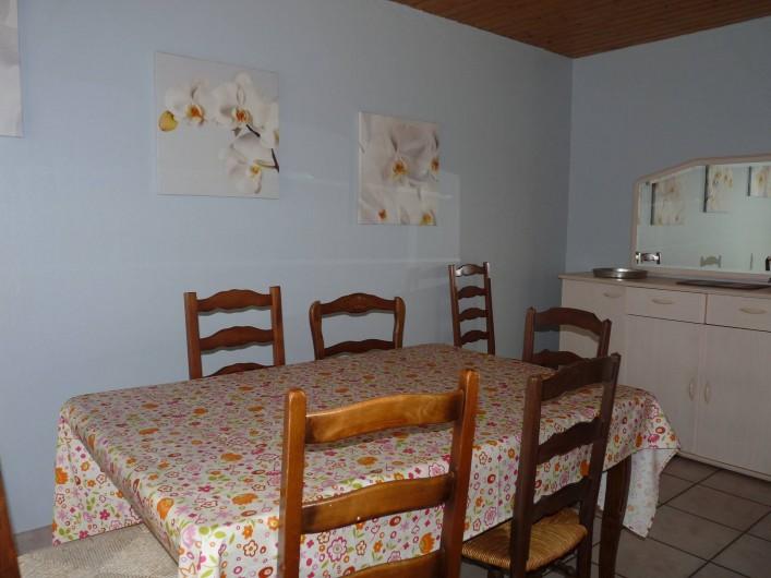 Location de vacances - Appartement à Ban-de-Laveline - coin repas grand gite