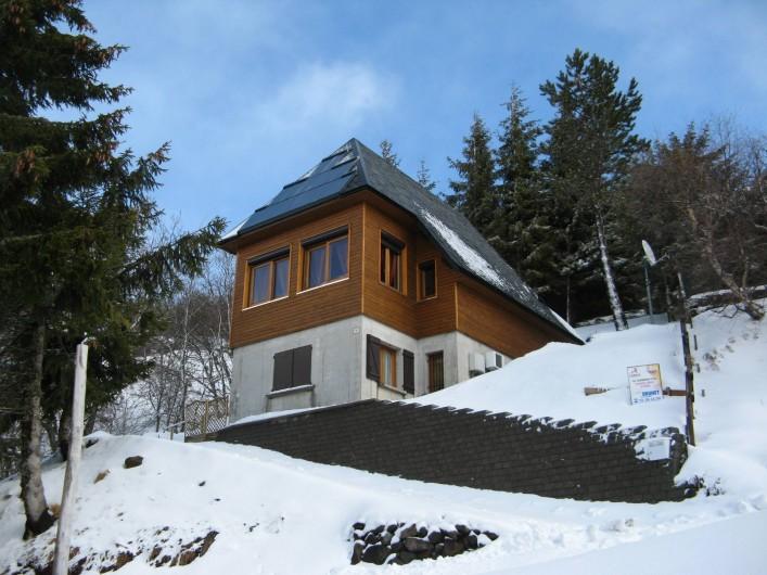 Location de vacances - Chalet à Super Besse - Le chalet l'hiver