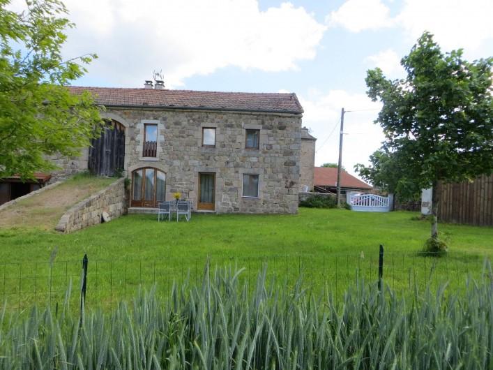 Location de vacances - Gîte à Raucoules - Autre vue de la façade