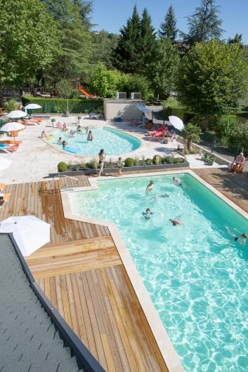 Location de vacances - Chalet à Rieupeyroux - Piscine