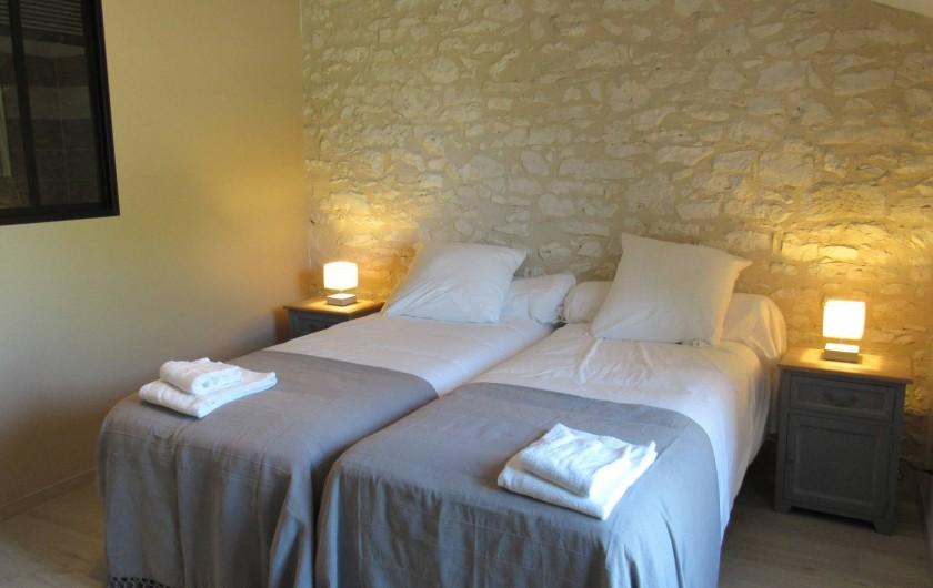 Location de vacances - Gîte à Lougratte - une des 3 chambres du gîte Fakir
