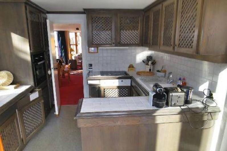 Location de vacances - Appartement à Les Arcs - Cuisine fermée, équipée à 200%.  Accès terrasse 12m2 à l'Est.