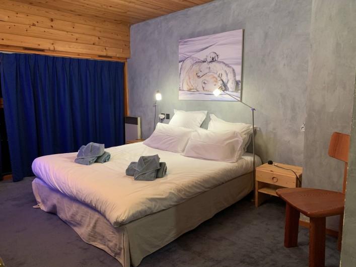 Location de vacances - Appartement à Les Arcs - Llit double 160, -Ouest- TV, dressing; s.d.b -baignoire, douche .