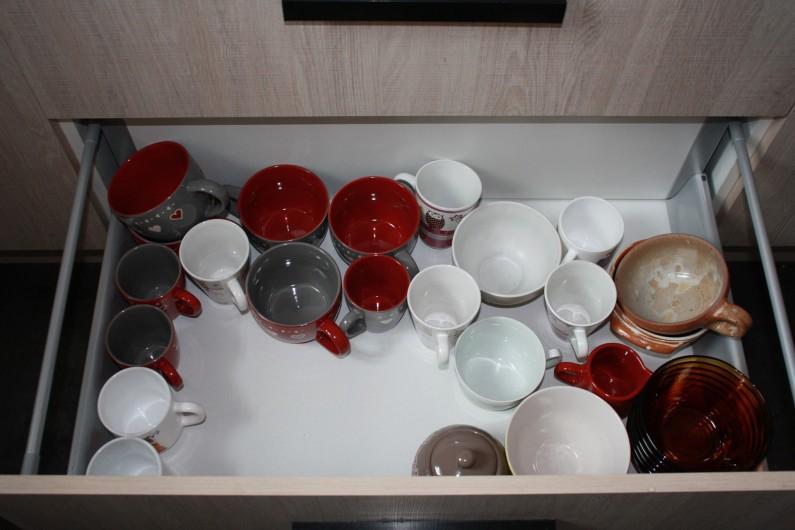 Location de vacances - Appartement à Séez - vaisselle pour un bon petit déjeuner