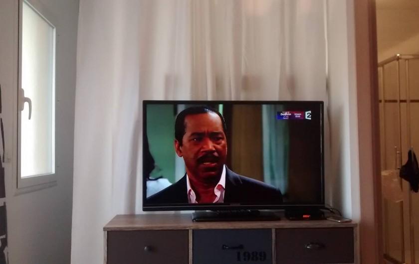 Location de vacances - Appartement à Calvi - grand téléviseur ecran plat