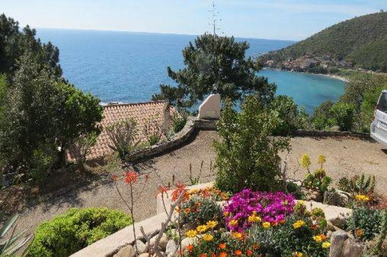 Location de vacances - Villa à Conca - La résidence Monte Marina, accès sécurisé avec un portail et un code