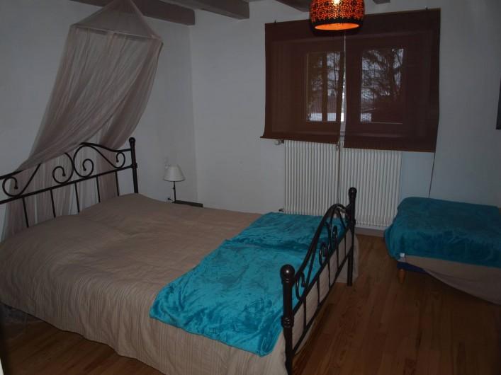 Location de vacances - Gîte à Corcieux - La chambre bleue au RdC