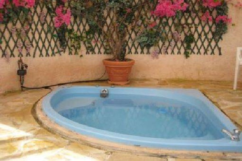 Location de vacances - Villa à Le Plan-de-la-Tour - JACCUZI dans sa véranda