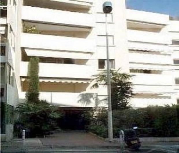Location de vacances - Studio à Cannes - façade de l'immeuble
