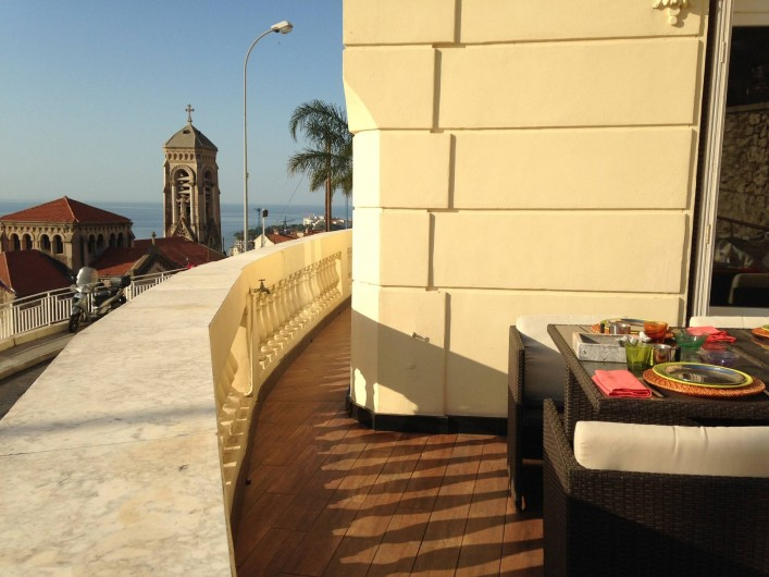 Location de vacances - Appartement à Monaco-Ville - petit déjeuner au soleil ds le grand appartement