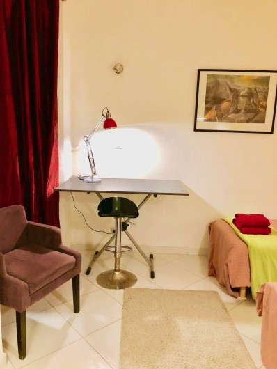 Location de vacances - Appartement à Monaco-Ville - coin bureau du studio