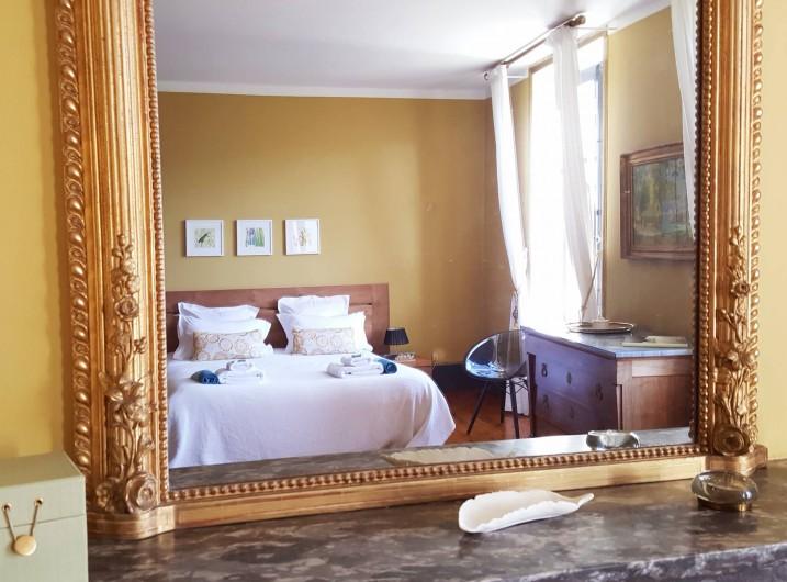 """Location de vacances - Gîte à Mirabel-et-Blacons - Chambre d'hôtes """"NURSERY"""""""