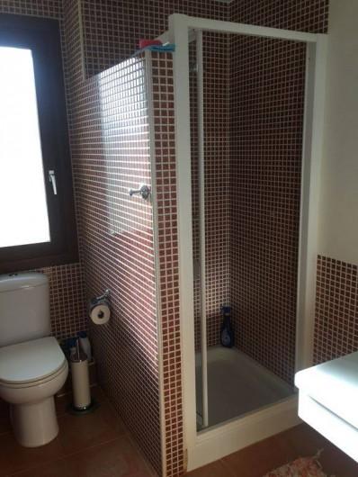 Location de vacances - Appartement à Vera - salle de bain avec douche