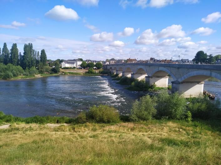 Location de vacances - Appartement à Nazelles-Négron - Pont menant à Amboise