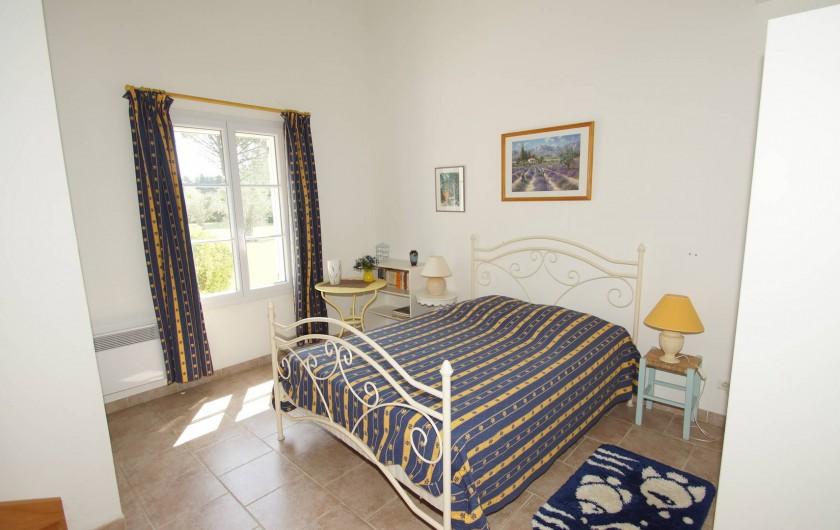 Location de vacances - Chambre d'hôtes à Vedène - Chambre Tournesol