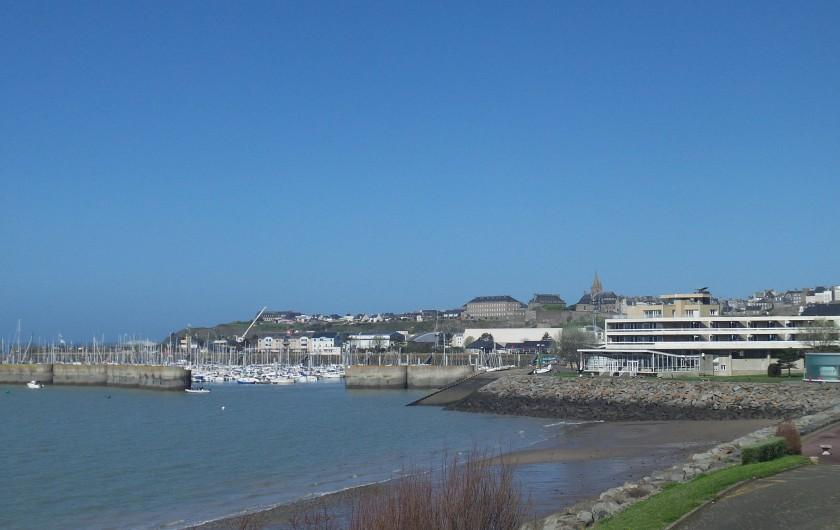 Location de vacances - Appartement à Granville - Vue mer sur le Iles CHAUSEY ( 1 ) Marée haute