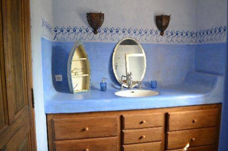 Location de vacances - Villa à Saint-Saturnin-lès-Apt - s de b 2 avec WC séparé