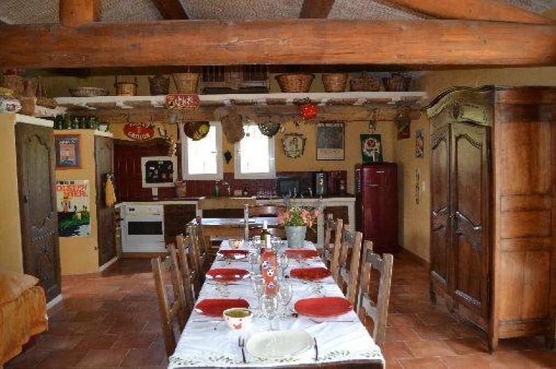 Location de vacances - Villa à Saint-Saturnin-lès-Apt - grand séjour de 60 m2