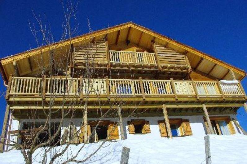 location chalet de charme pour 12 personnes sauna et spa en haute savoie manigod