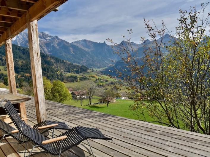 Location de vacances - Chalet à Manigod - Vue Sud  terrasse rez-de-jardin