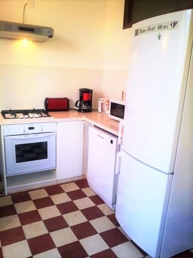 Location de vacances - Gîte à Saint-Alban-Auriolles - cuisine