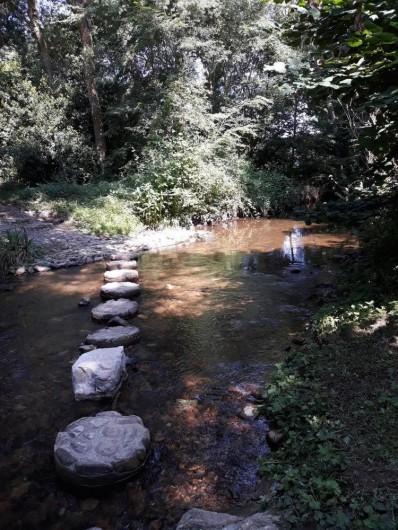 Location de vacances - Chambre d'hôtes à Saint-Martin-le-Vieil - Une jolie rivière : La Vernassonne