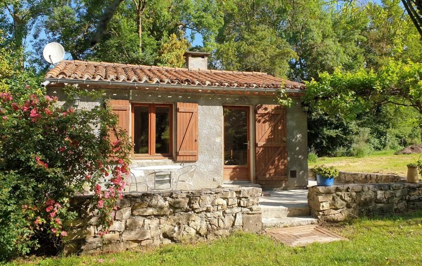 """Location de vacances - Chambre d'hôtes à Saint-Martin-le-Vieil - Gîte """"Le Verger de Villelongue"""""""