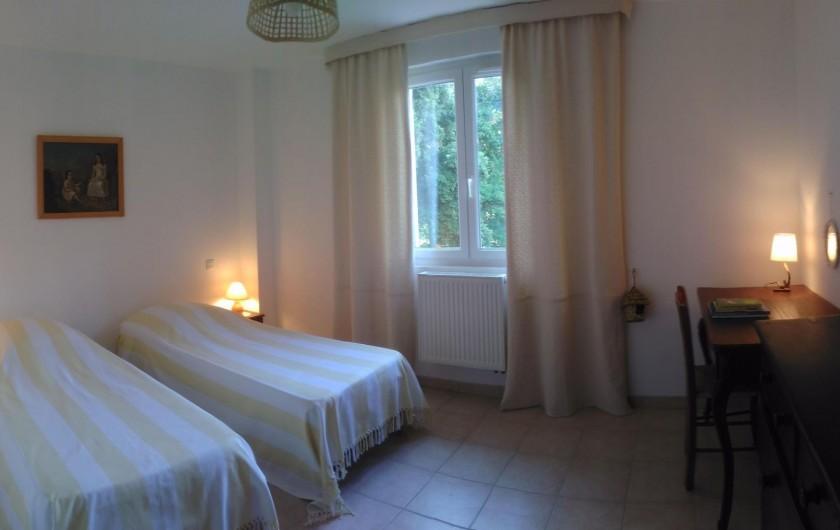 Location de vacances - Chambre d'hôtes à Saint-Martin-le-Vieil - Chambre parentale Rossignol2