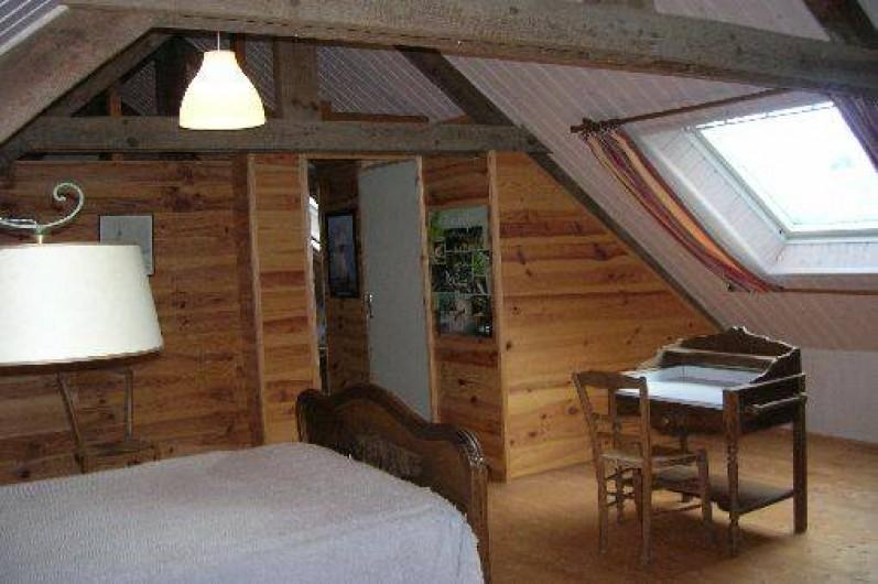 Location de vacances - Gîte à Saint-Gelven - chambre étage, 1 lit largeur 1.20