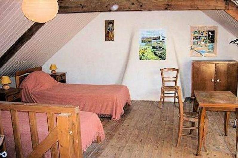 Location de vacances - Gîte à Saint-Gelven - chambre mezzanine, 2 lits largeur 0.90
