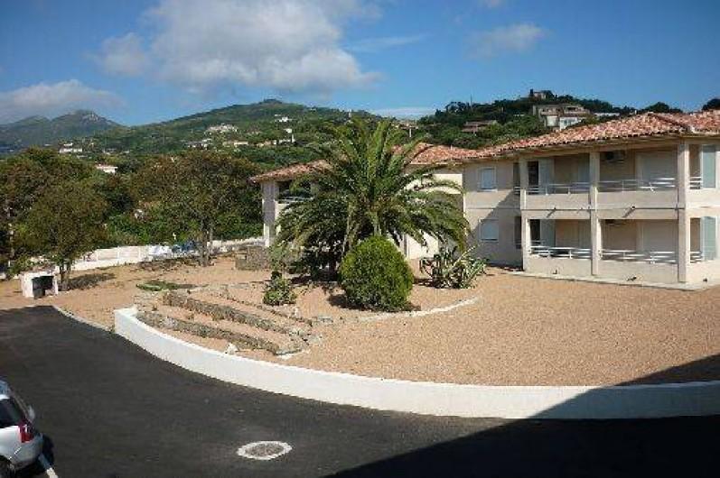 """Location de vacances - Appartement à Propriano - La résidence """"Les Jardins d'Amezia"""""""
