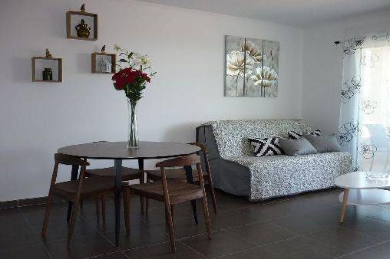 Location de vacances - Appartement à Propriano - espace salle à manger/ salon