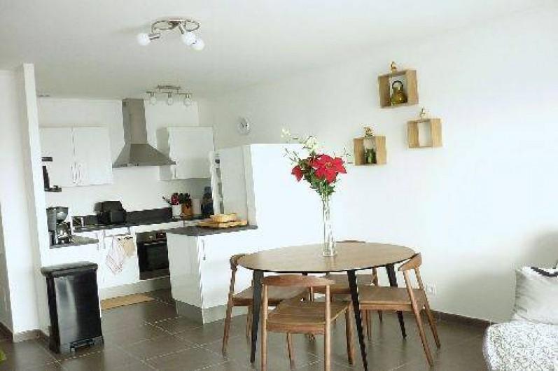 Location de vacances - Appartement à Propriano - cuisine américaine et coin repas