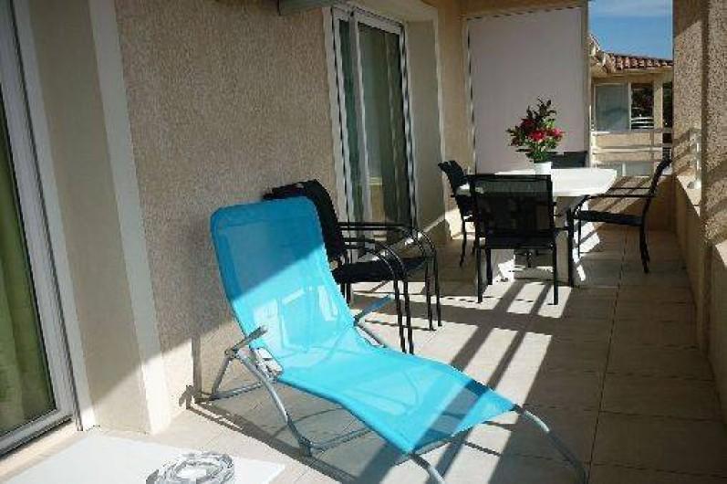 Location de vacances - Appartement à Propriano - la terrasse avec un espace relaxation