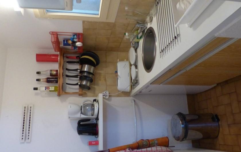 Location de vacances - Appartement à Hyères - Cuisine:2 plaques électrique, 1 four et 1 Micro-ondes...