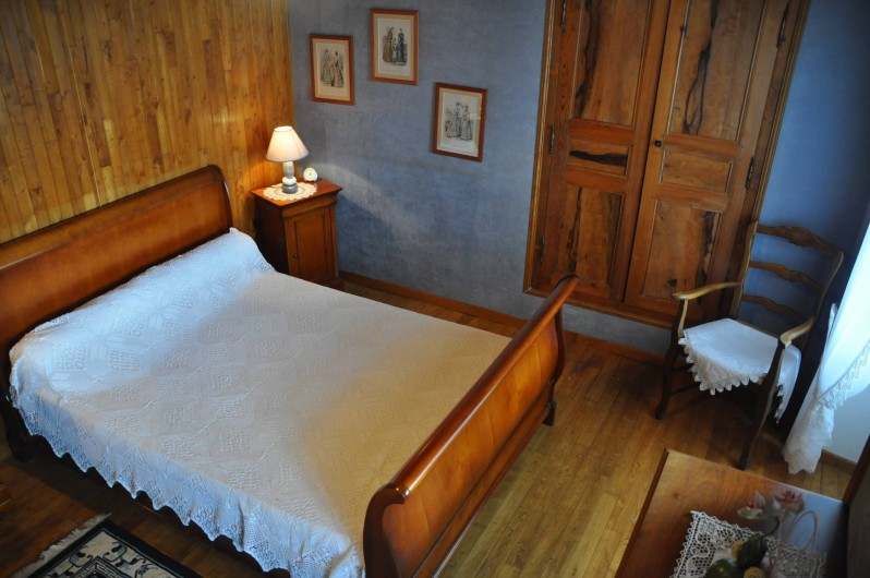 Location de vacances - Gîte à Saint-Flour - chambre bleue