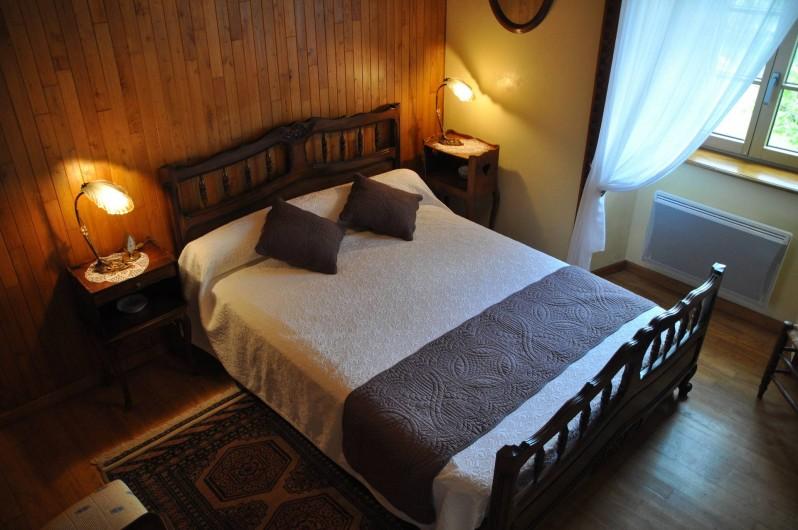 Location de vacances - Gîte à Saint-Flour - chambre jaune