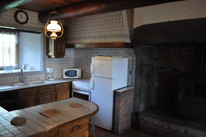 Location de vacances - Gîte à Saint-Flour - coin cuisine