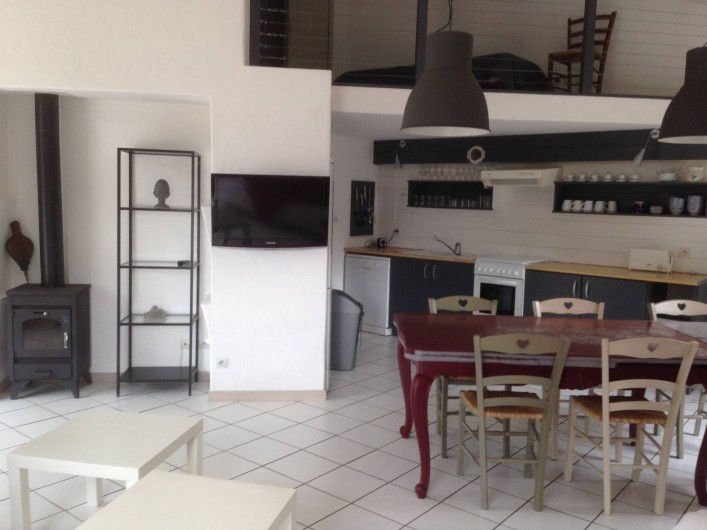 Location de vacances - Gîte à Sallertaine - séjour coin cuisine